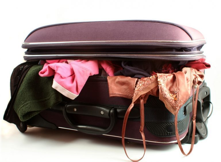 travel-packing-canstockphoto0319004